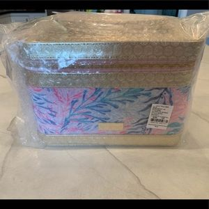 Lilly Pulitzer GWP Kaleidoscope Coral Train Case